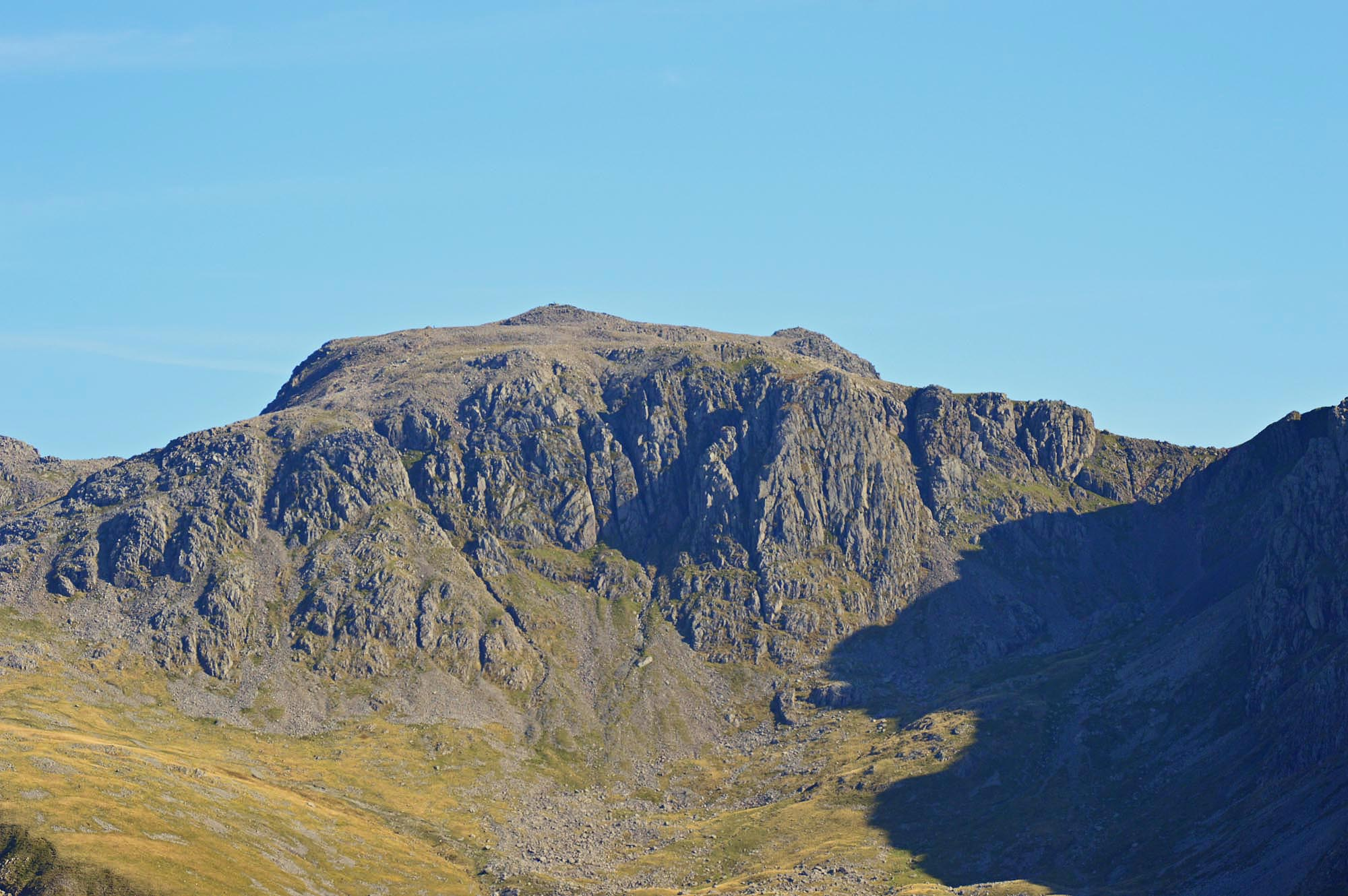 Scafell_pike_details_from_yewbarrow